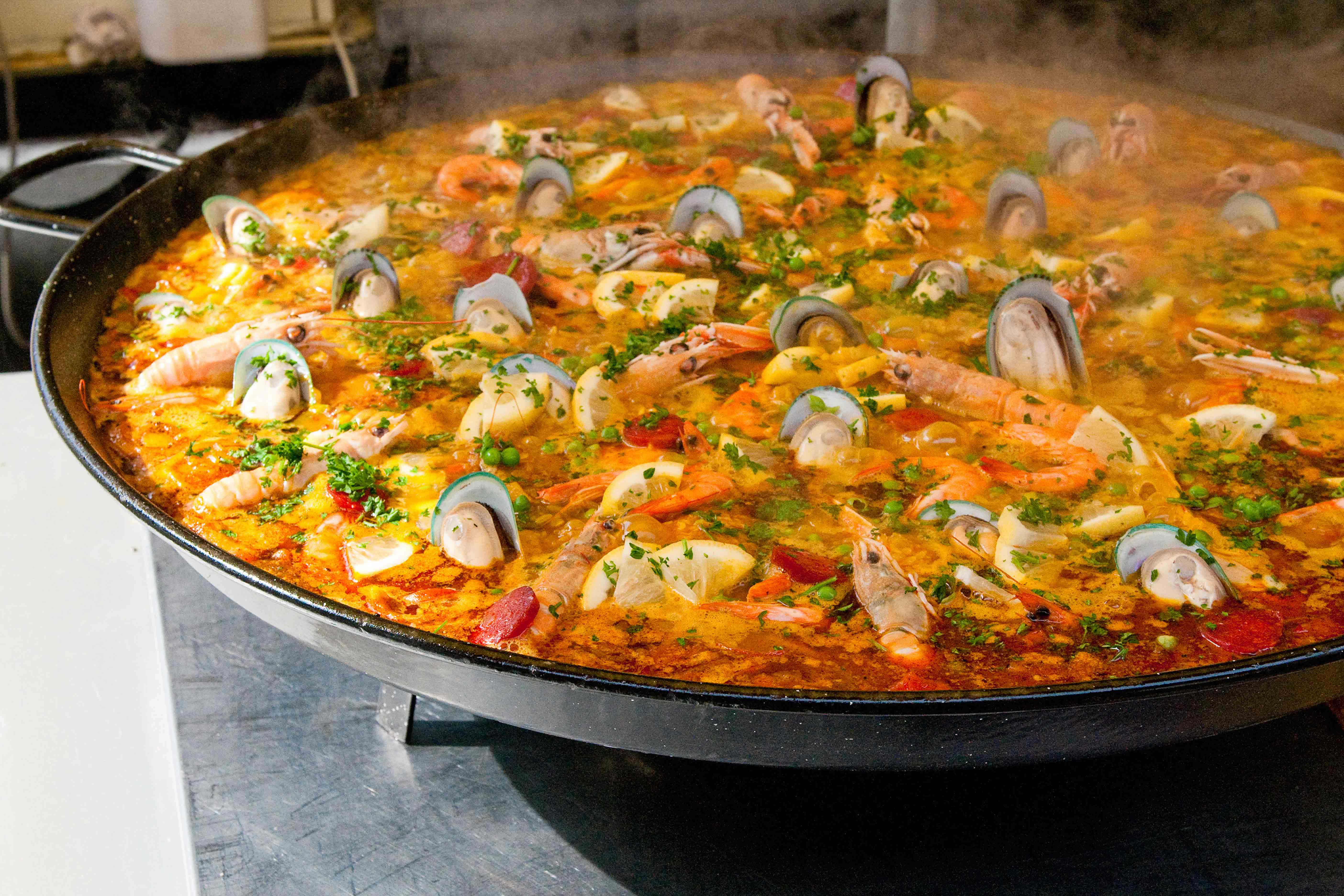 Costa Blanca catering we prepare delicious Paella for your party!