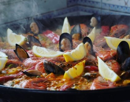 Paella-freshly-cooked-at-your-home.